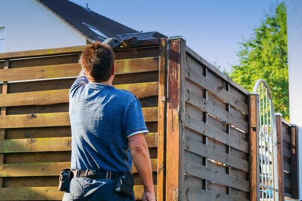 Fence Repair Seattle